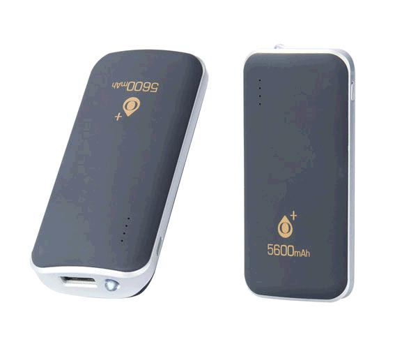 POWER BANK FIRE D3029 2.1A 5600MAH + LINTERNA NEGRO ONE+