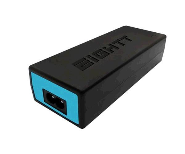 Cargador Universal portatil automatico Eightt Ec90 - 90w - 13 adaptadores