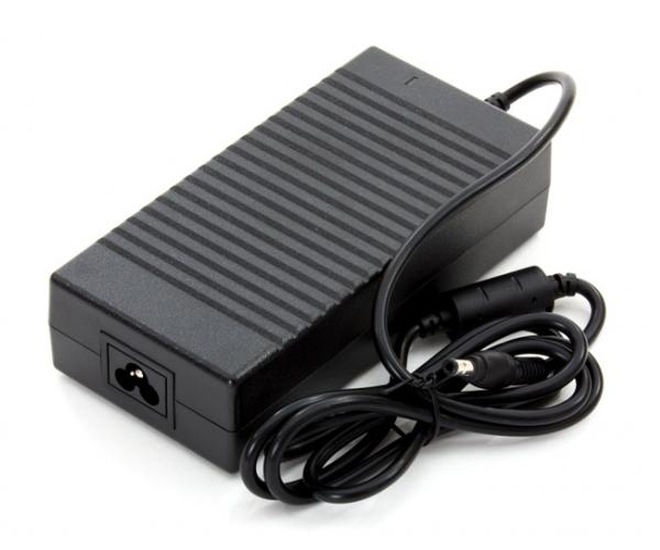 Cargador portatil Acer-Asus-Toshiba- Hp 19v 9.5a 5.5mm x 2.5mm