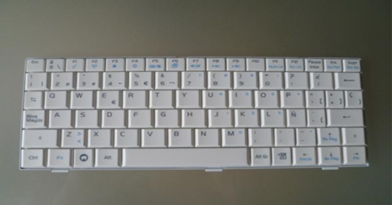 Teclado Asus eeepc 700 - 701 - 900 - 901  blanco